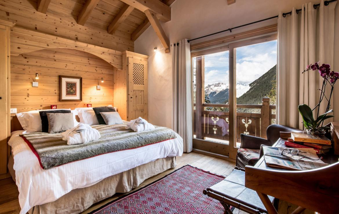Chalet-Aster-Courchevel-Moriond--Bedroom-2