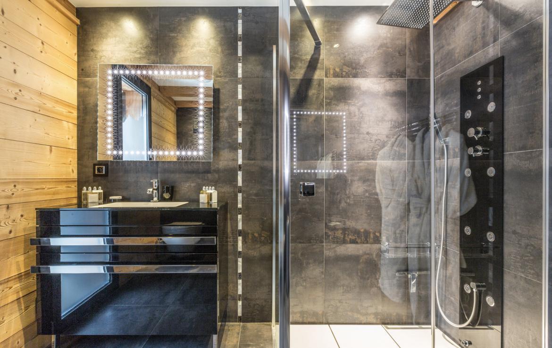 Chalet-Couttet---Penguin-Bathroom-3