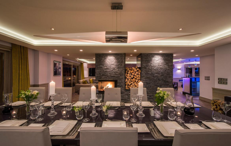 DINING-ROOM-CHALET-PONT-DU-CAM-MERIBEL