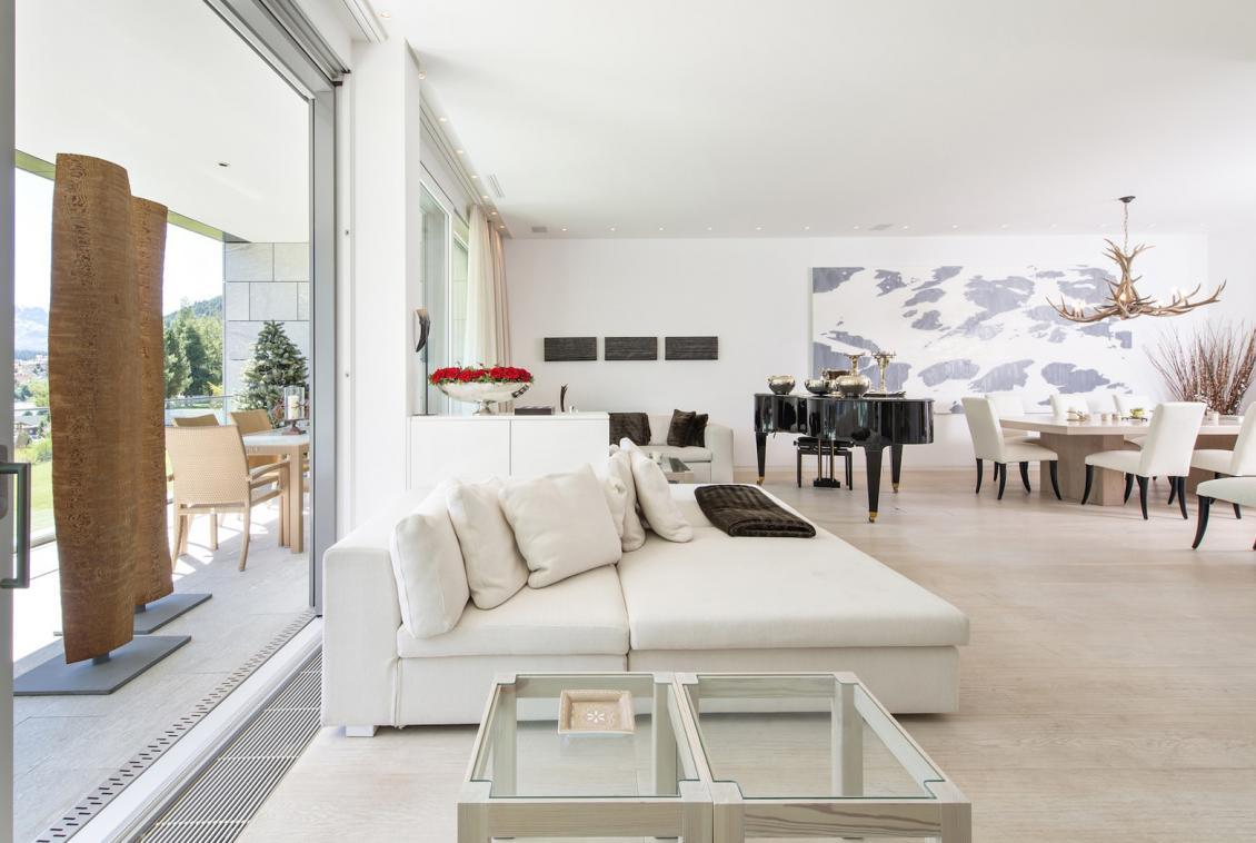 Kings-avenua-val-disere-snow-apartment-tv-hifi-wifi-covered-parking-fireplace-piano-area-st-mortiz-010