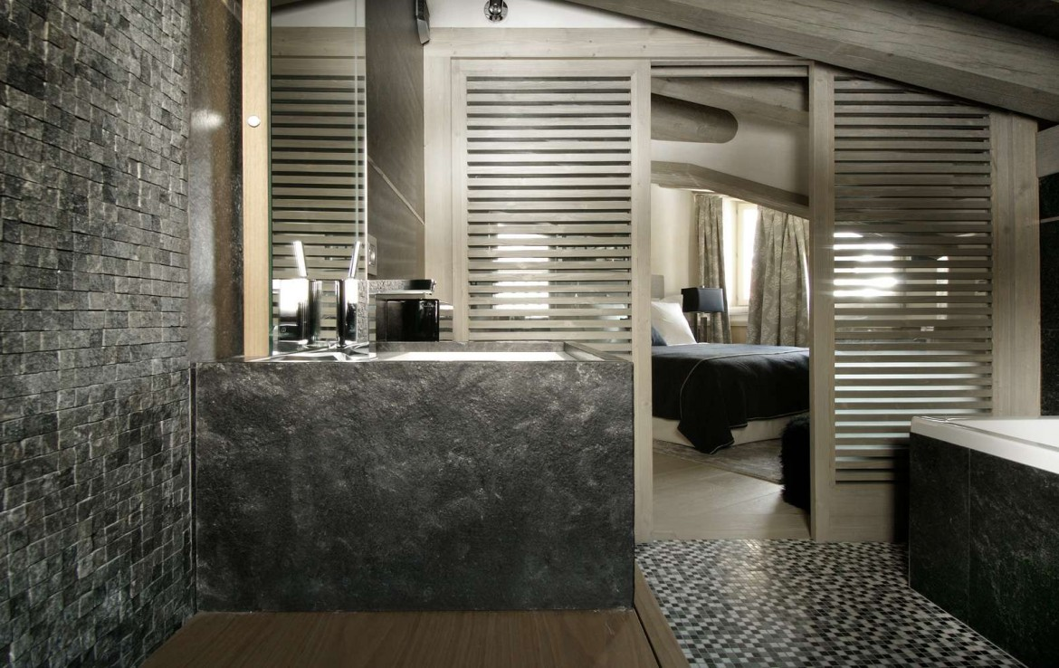 Kings-avenua-val-disere-snow-chalet-childfriendly-hammam-swimming-pool-covered-parking-cinema-boot-heaters-fireplace-area-val-disere-014-13