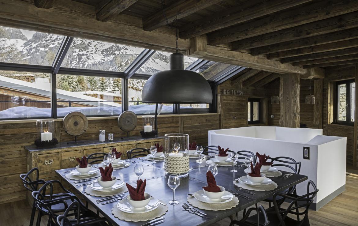 Kings-avenua-val-disere-snow-chalet-hammam-covered-parking-fireplace-ski-in-ski-out-massage-room-boot-heaters-area-val-disere-018-4