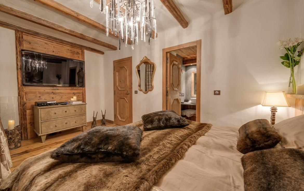 Kings-avenua-val-disere-snow-chalet-outdoor-jacuzzi-hammam-swimming-pool-childfriendly-gym-foot-heaters-fireplace-bar-massage-room-lift-area-val-disere-003-17