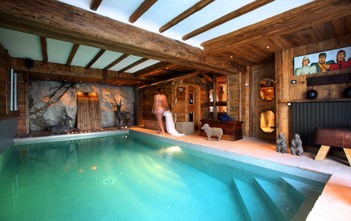 Kings-avenua-val-disere-snow-chalet-outdoor-jacuzzi-hammam-swimming-pool-childfriendly-gym-foot-heaters-fireplace-bar-massage-room-lift-area-val-disere-003-7