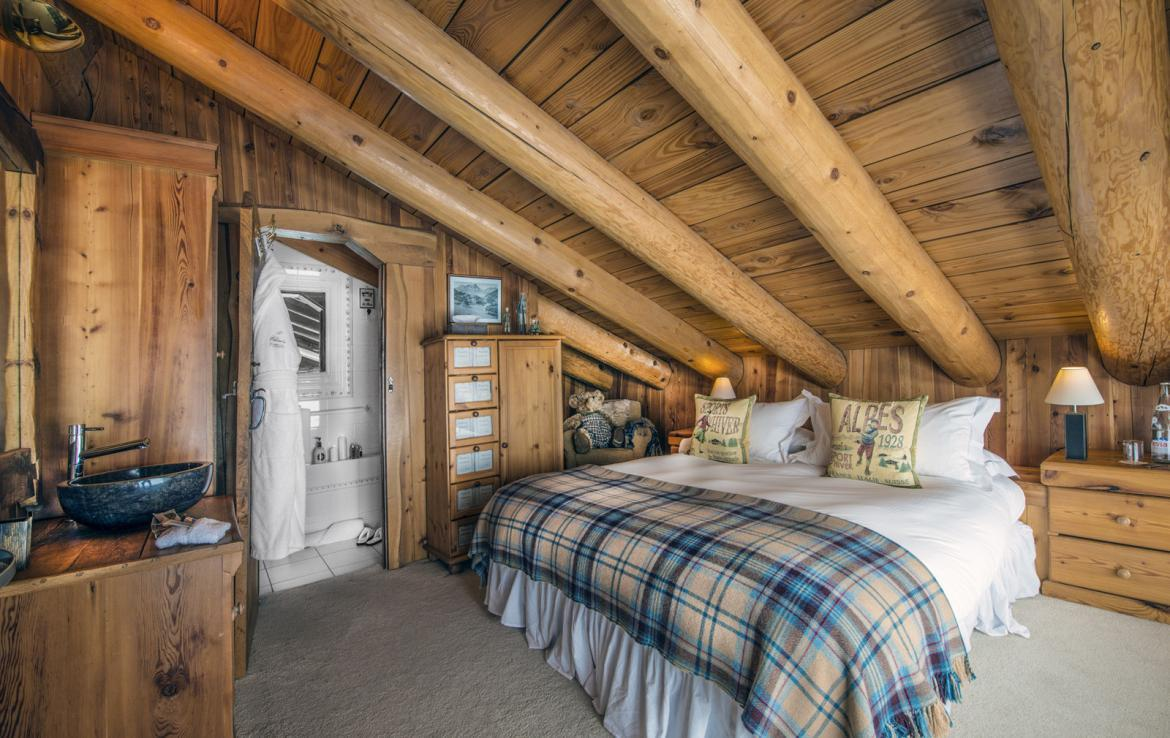Kings-avenua-val-disere-snow-chalet-sauna-outdoor-jacuzzi-chidfriendly-kids-playroom-fireplace-boot-heaters-ski-in-ski-out-hot-tubs-massage-room-area-val-disere-004-11
