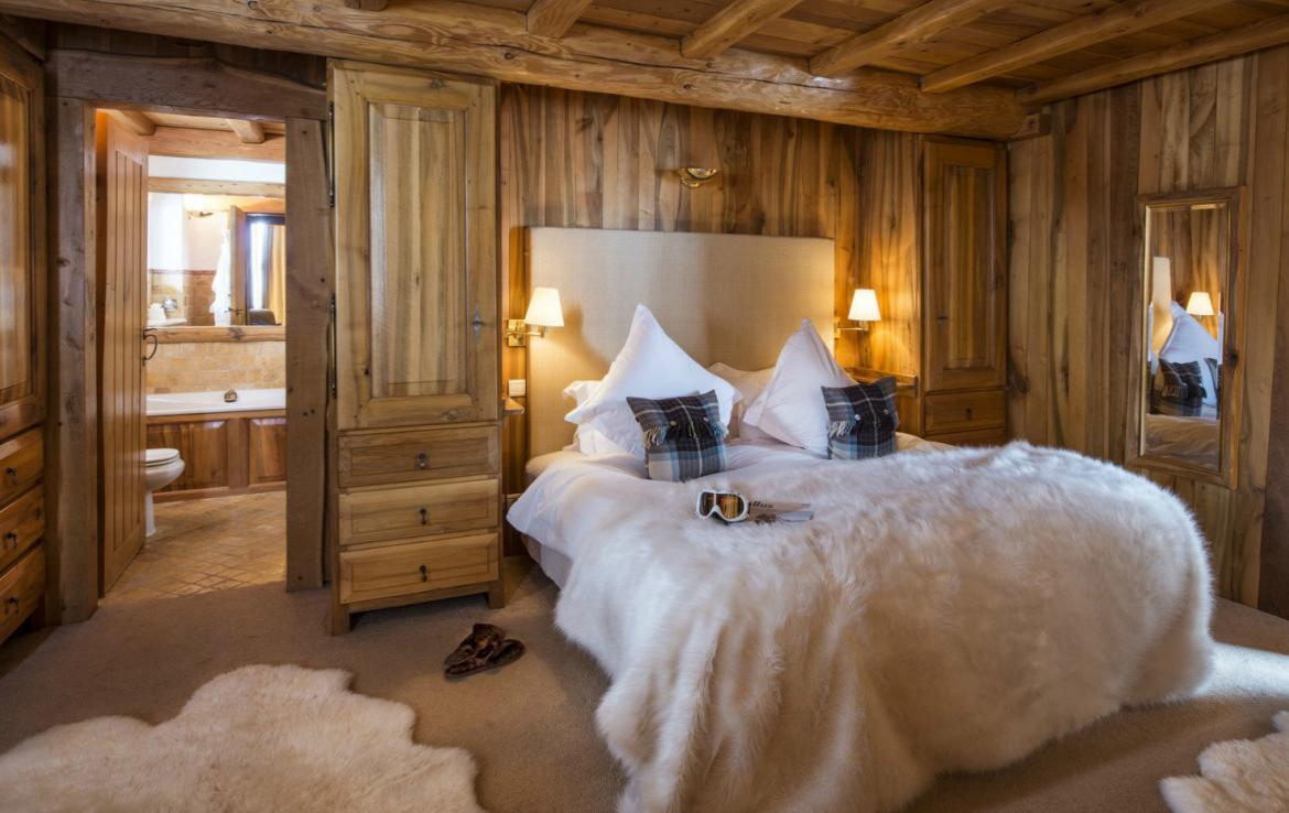 Kings-avenua-val-disere-snow-chalet-sauna-outdoor-jacuzzi-chidfriendly-kids-playroom-fireplace-boot-heaters-ski-in-ski-out-hot-tubs-massage-room-area-val-disere-004-14