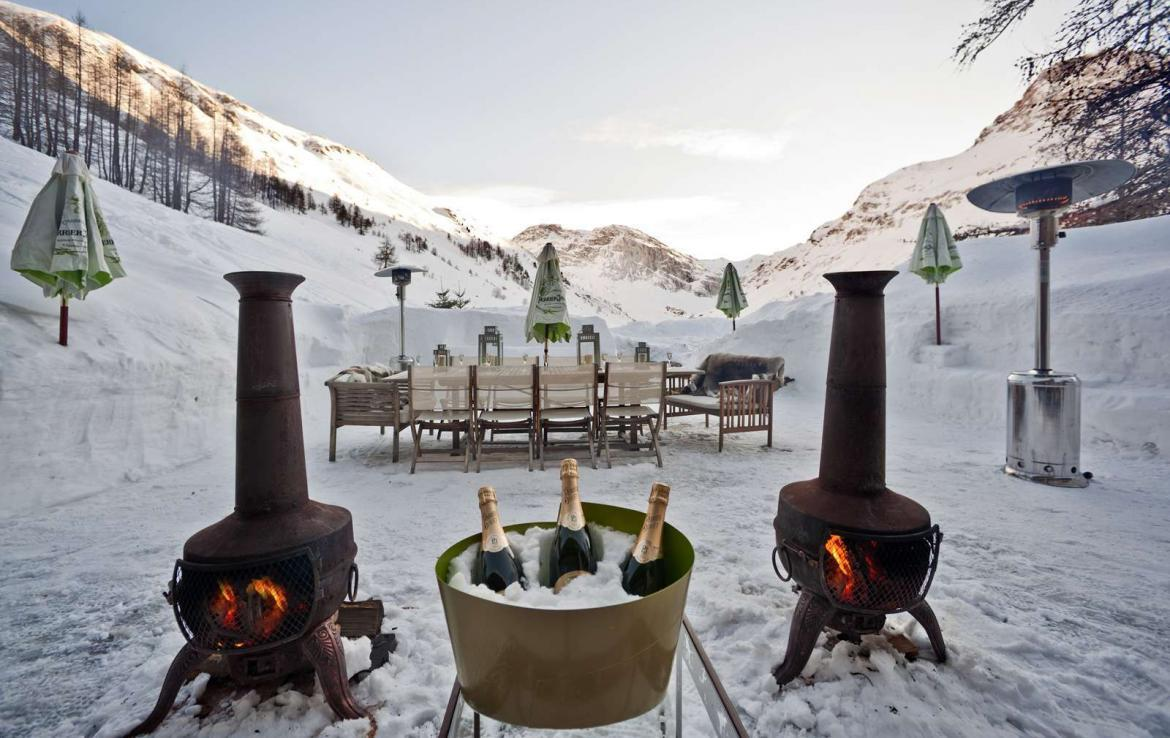 Kings-avenua-val-disere-snow-chalet-sauna-outdoor-jacuzzi-chidfriendly-kids-playroom-fireplace-boot-heaters-ski-in-ski-out-hot-tubs-massage-room-area-val-disere-004-18