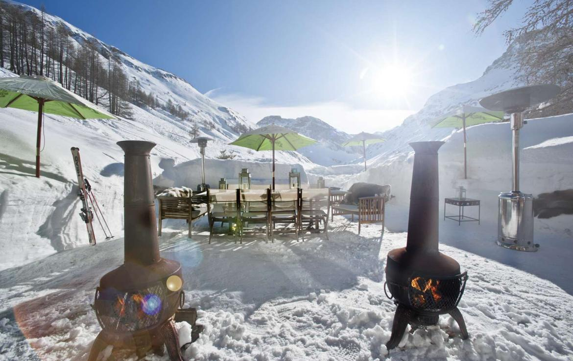 Kings-avenua-val-disere-snow-chalet-sauna-outdoor-jacuzzi-chidfriendly-kids-playroom-fireplace-boot-heaters-ski-in-ski-out-hot-tubs-massage-room-area-val-disere-004-4
