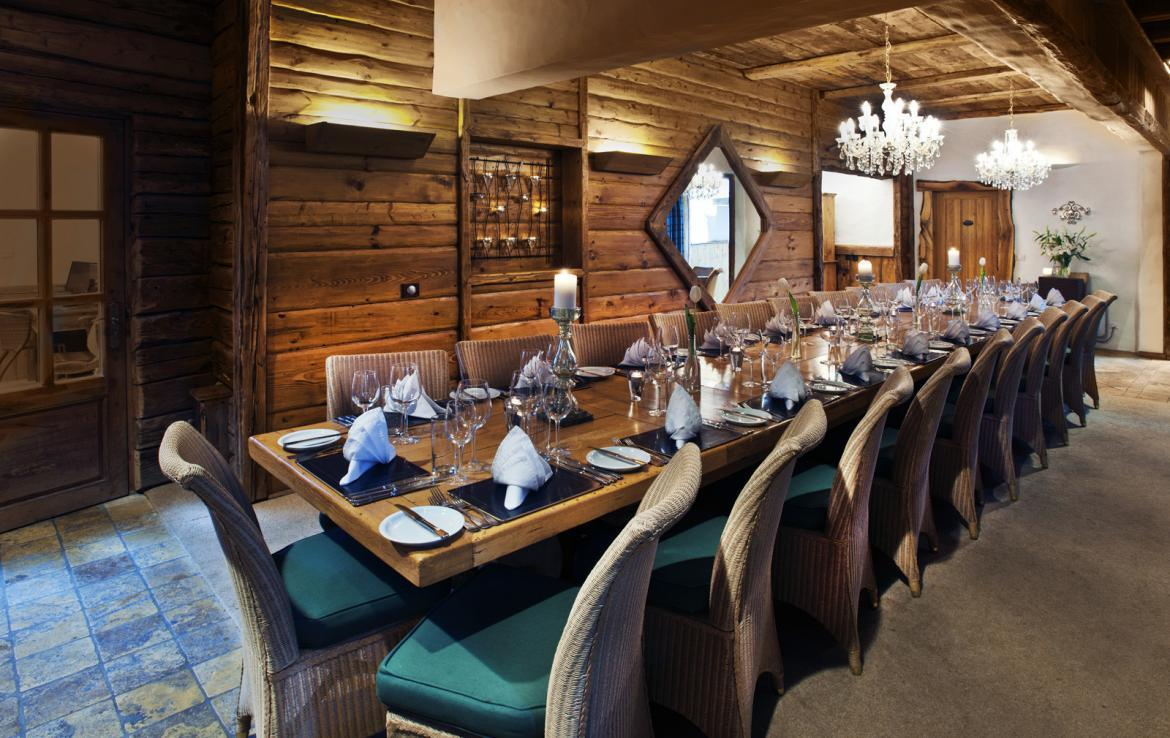 Kings-avenua-val-disere-snow-chalet-sauna-outdoor-jacuzzi-chidfriendly-kids-playroom-fireplace-boot-heaters-ski-in-ski-out-hot-tubs-massage-room-area-val-disere-004-8