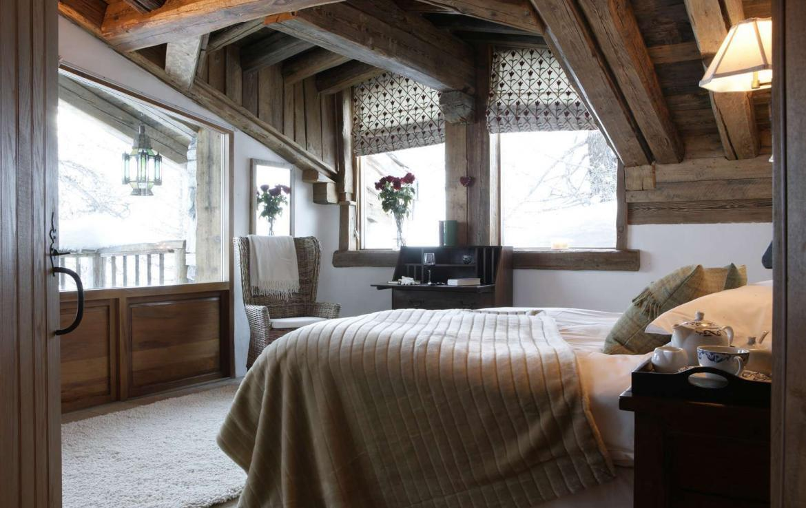 Kings-avenua-val-disere-snow-chalet-sauna-outdoor-jacuzzi-chidfriendly-kids-playroom-fireplace-boot-heaters-ski-in-ski-out-hot-tubs-massage-room-area-val-disere-004-9