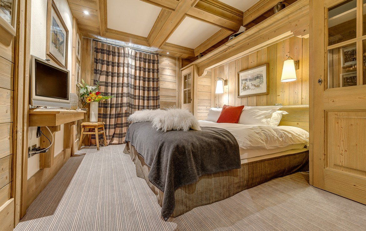 Kings-avenua-val-disere-snow-chalet-sauna-swimming-pool-childfriendly-parking-boot-heaters-fireplace-ski-in-ski-out-lift-terrace-area-val-disere-010-14