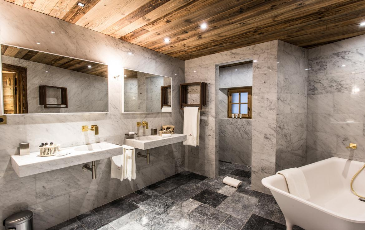 Kings-avenua-val-disere-snow-chalet-wifi-sauna-hammam-swimming-pool-childfriendly-parking-cinema-boot-heaters-fireplace-massage-room-spa-pool-area-val-disere-002-12