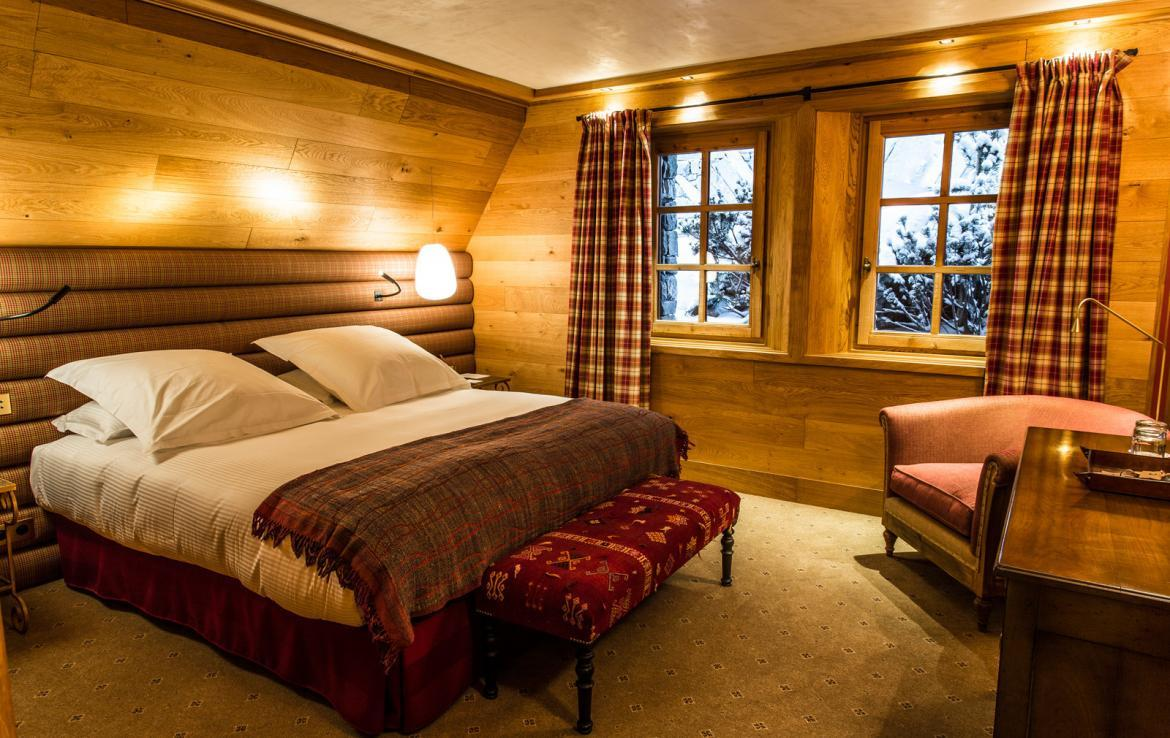 Kings-avenua-val-disere-snow-chalet-wifi-sauna-hammam-swimming-pool-childfriendly-parking-cinema-boot-heaters-fireplace-massage-room-spa-pool-area-val-disere-002-13