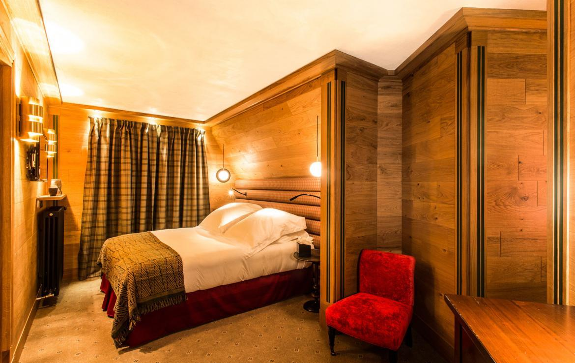 Kings-avenua-val-disere-snow-chalet-wifi-sauna-hammam-swimming-pool-childfriendly-parking-cinema-boot-heaters-fireplace-massage-room-spa-pool-area-val-disere-002-15