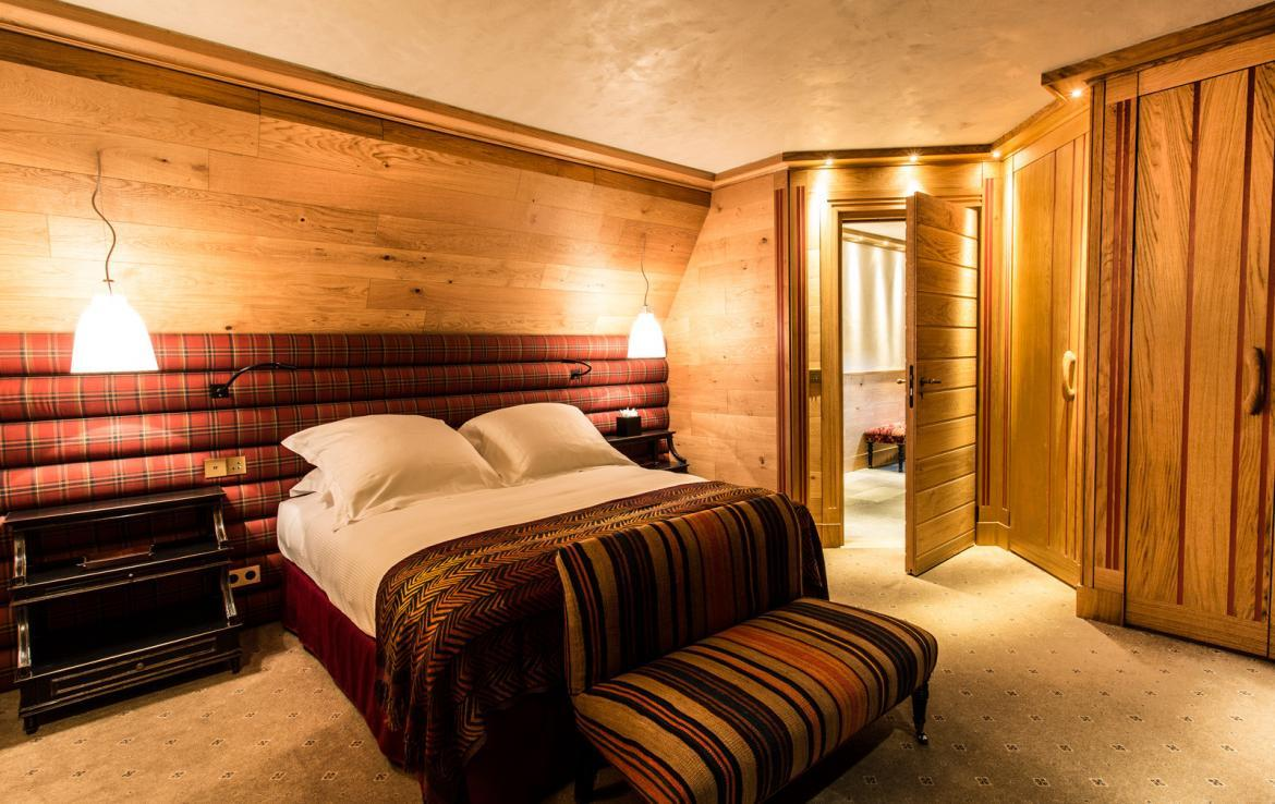 Kings-avenua-val-disere-snow-chalet-wifi-sauna-hammam-swimming-pool-childfriendly-parking-cinema-boot-heaters-fireplace-massage-room-spa-pool-area-val-disere-002-16