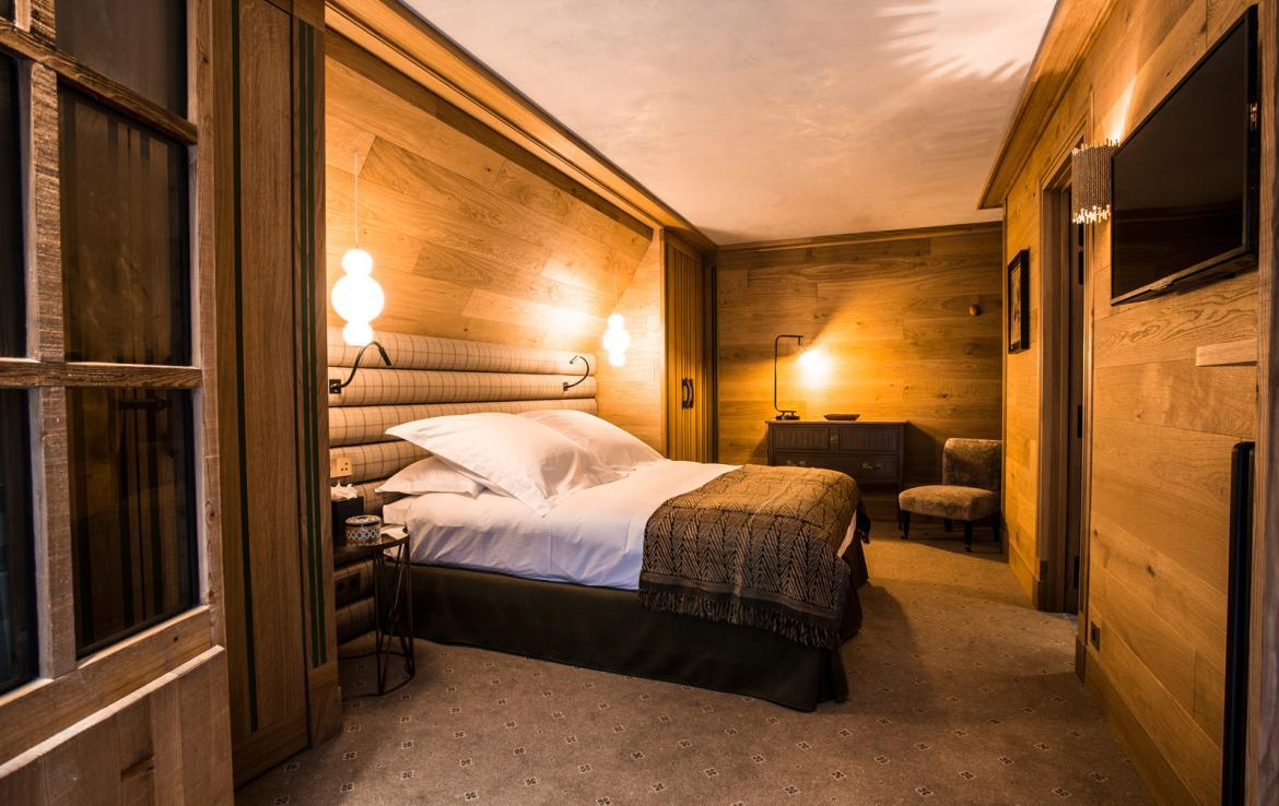 Kings-avenua-val-disere-snow-chalet-wifi-sauna-hammam-swimming-pool-childfriendly-parking-cinema-boot-heaters-fireplace-massage-room-spa-pool-area-val-disere-002-17