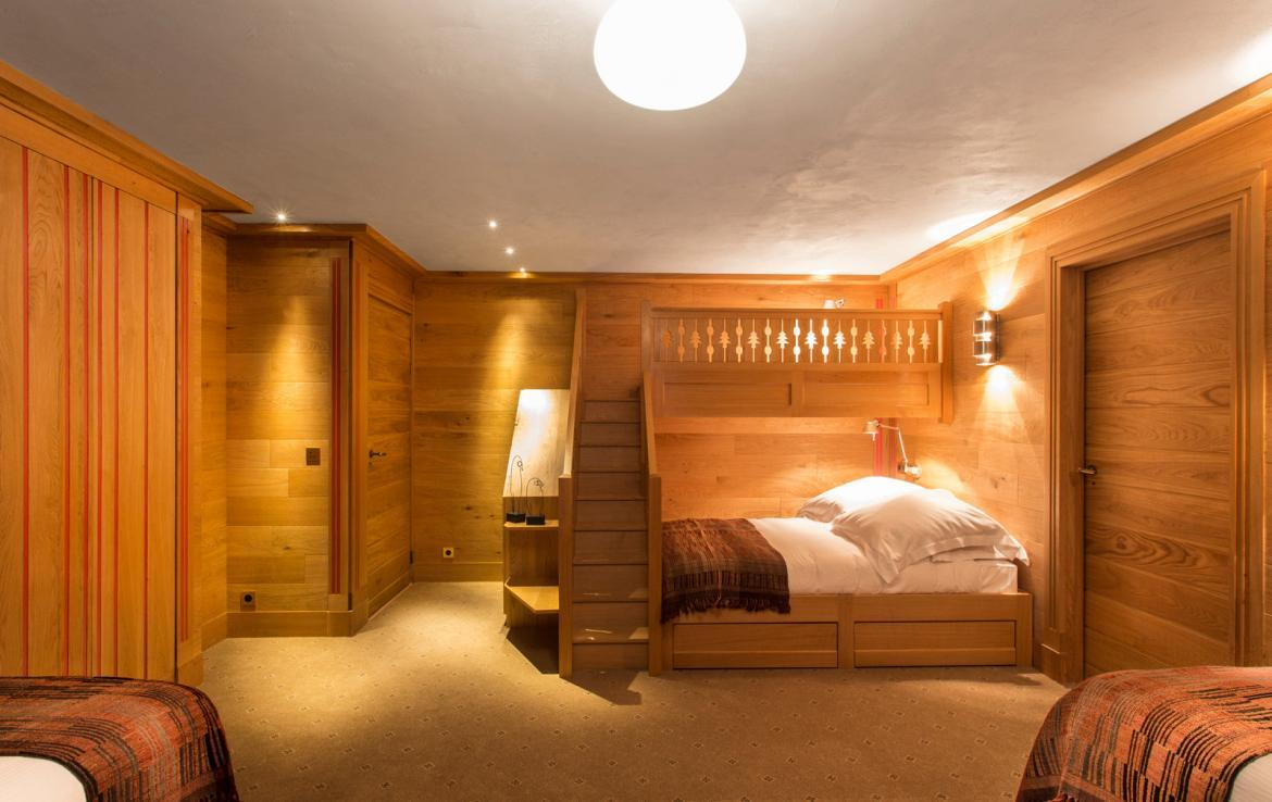Kings-avenua-val-disere-snow-chalet-wifi-sauna-hammam-swimming-pool-childfriendly-parking-cinema-boot-heaters-fireplace-massage-room-spa-pool-area-val-disere-002-18