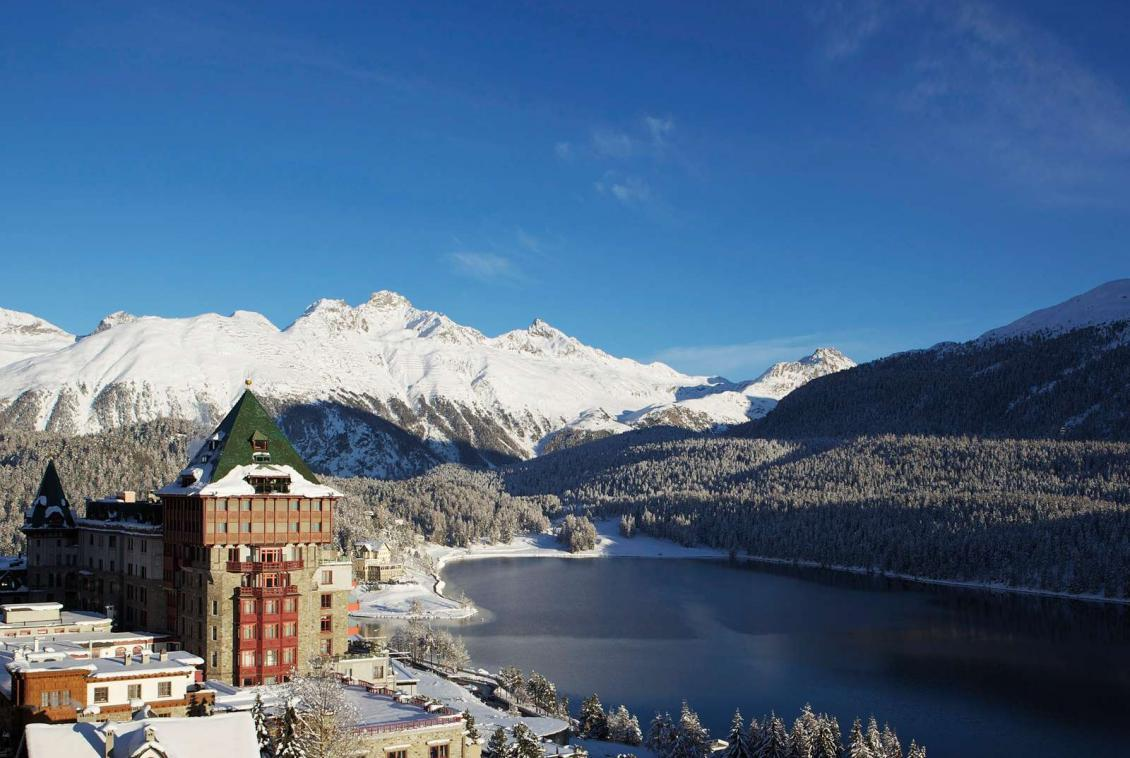 Kings-avenua-val-disere-snow-suite-wifi-satellite-childfriendly-parking-boot-heaters-fireplace-spa-area-st-mortiz-009