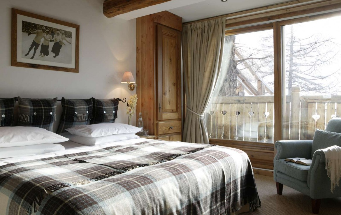 Kings-avenua-val-disere-snow-wifi-childfriendly-boot-heaters-fireplace-ski-in-ski-out-outdoor-tubs-treatment-room-sauna-welness-area-val-disere-015-7