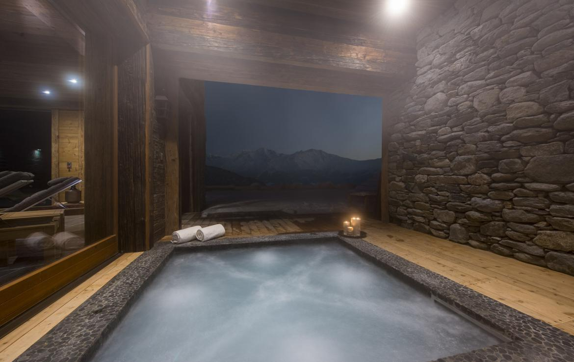 Kings-avenua-verbier-sauna-jacuzzi-hammam-swimming-pool-childfriendly-parking-cinema-gym-boot-heaters-fireplace-massage-room-wine-cellar-area-verbier-006-11