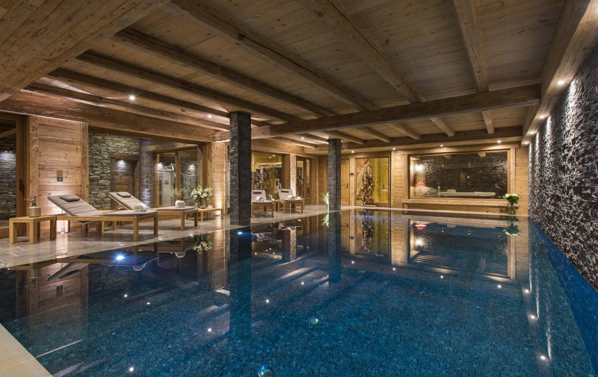 Kings-avenua-verbier-sauna-jacuzzi-hammam-swimming-pool-childfriendly-parking-cinema-gym-boot-heaters-fireplace-massage-room-wine-cellar-area-verbier-006
