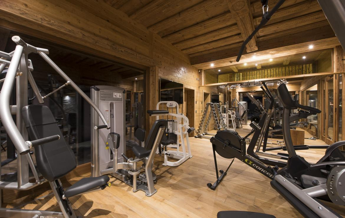 Kings-avenua-verbier-sauna-jacuzzi-hammam-swimming-pool-childfriendly-parking-cinema-gym-boot-heaters-fireplace-massage-room-wine-cellar-area-verbier-006-12