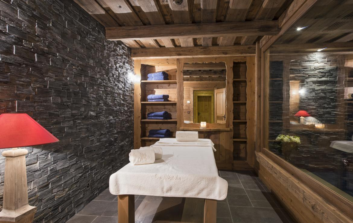 Kings-avenua-verbier-sauna-jacuzzi-hammam-swimming-pool-childfriendly-parking-cinema-gym-boot-heaters-fireplace-massage-room-wine-cellar-area-verbier-006-13