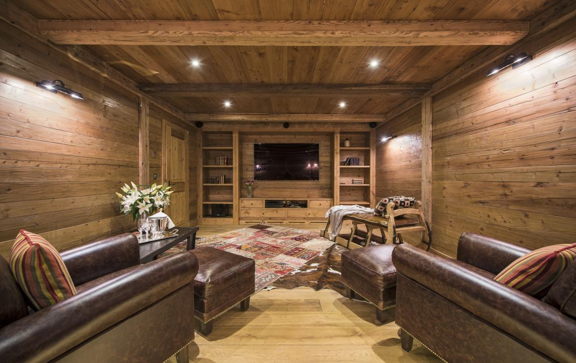 Kings-avenua-verbier-sauna-jacuzzi-hammam-swimming-pool-childfriendly-parking-cinema-gym-boot-heaters-fireplace-massage-room-wine-cellar-area-verbier-006-16