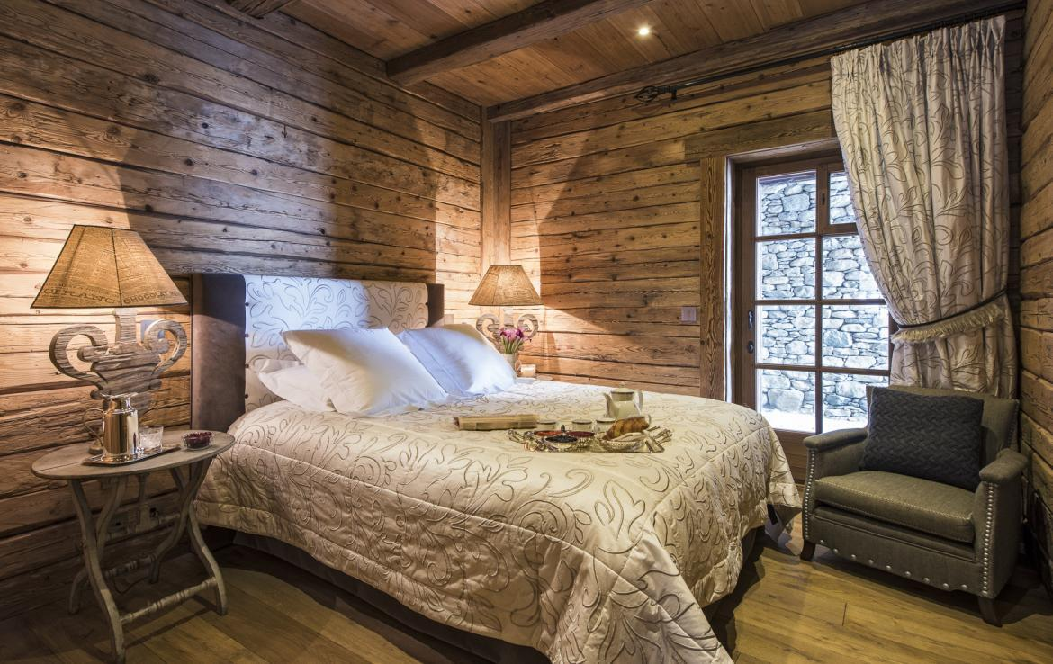 Kings-avenua-verbier-sauna-jacuzzi-hammam-swimming-pool-childfriendly-parking-cinema-gym-boot-heaters-fireplace-massage-room-wine-cellar-area-verbier-006-31