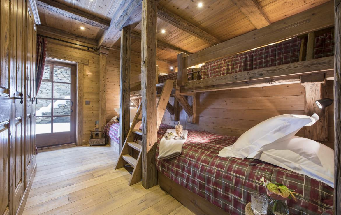 Kings-avenua-verbier-sauna-jacuzzi-hammam-swimming-pool-childfriendly-parking-cinema-gym-boot-heaters-fireplace-massage-room-wine-cellar-area-verbier-006-33
