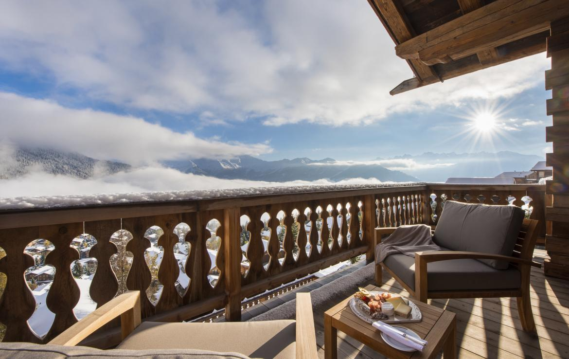 Kings-avenua-verbier-sauna-jacuzzi-hammam-swimming-pool-childfriendly-parking-cinema-gym-boot-heaters-fireplace-massage-room-wine-cellar-area-verbier-006-35