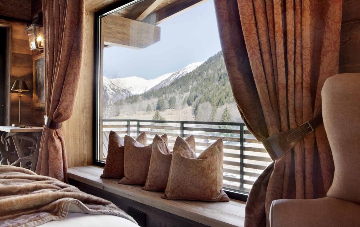 Kings-avenue-chamonix-parking-gym-fireplace-swimming-pool-spa-sauna-steam-room-tv-ski-boot-room-area-chamonix-002-11