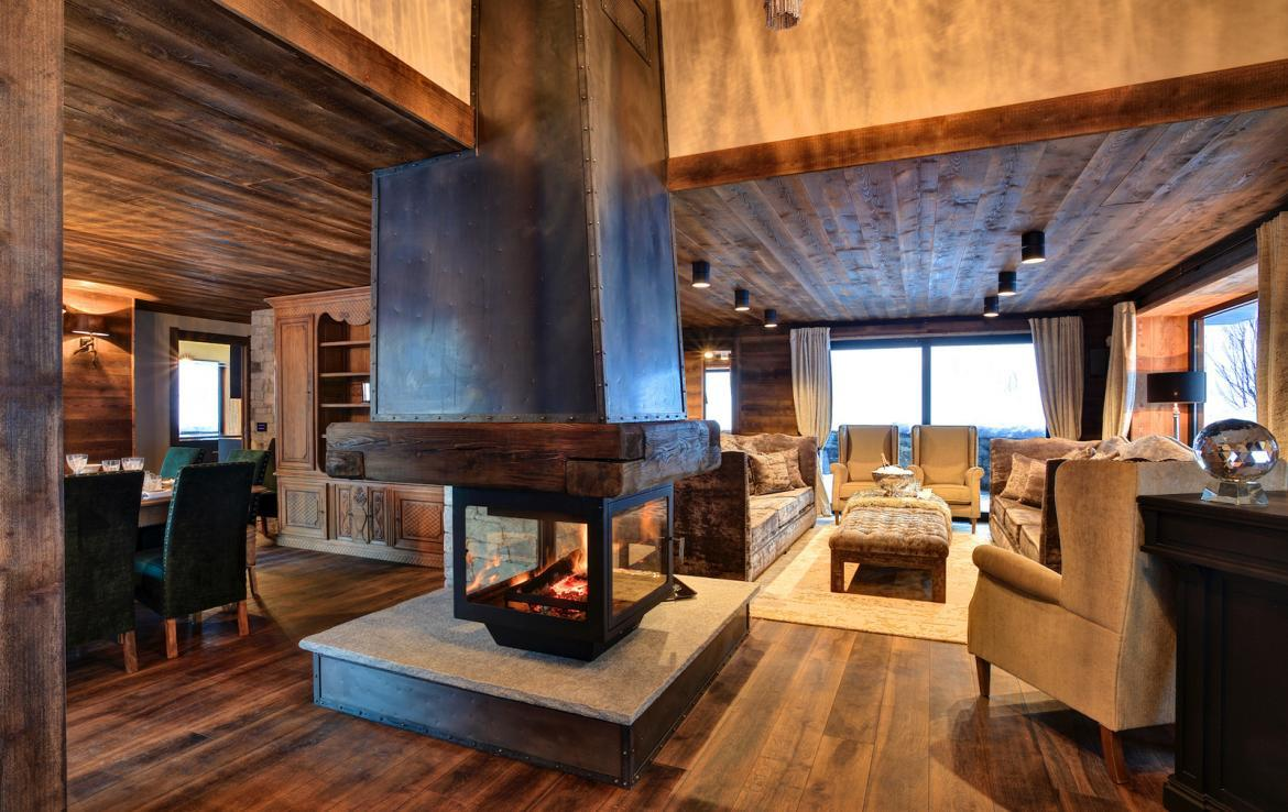 Kings-avenue-chamonix-parking-gym-fireplace-swimming-pool-spa-sauna-steam-room-tv-ski-boot-room-area-chamonix-002-4