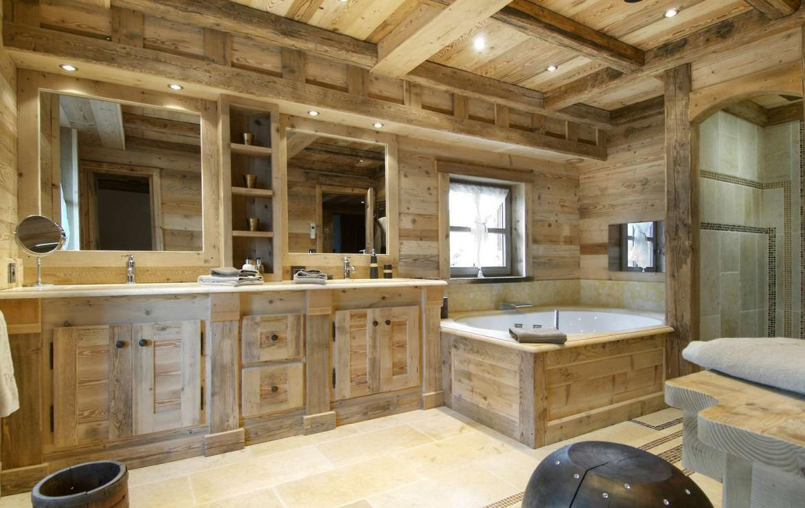 Kings-avenue-courchevel-hammam-swimming-pool-childfriendly-parking-cinema-boot-heaters-fireplace-ski-in-ski-out-lift-kids-playroom-gym-area-courchevel-015-11