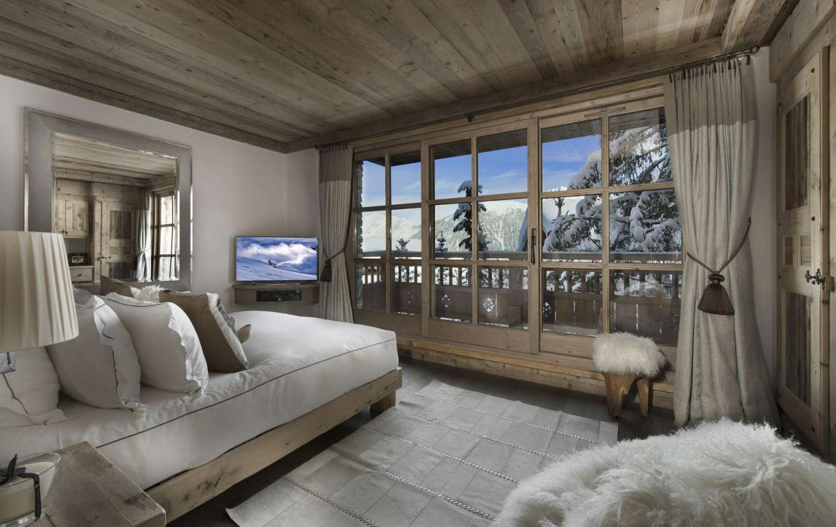 Kings-avenue-courchevel-hammam-swimming-pool-childfriendly-parking-cinema-boot-heaters-fireplace-ski-in-ski-out-lift-kids-playroom-gym-area-courchevel-015-13