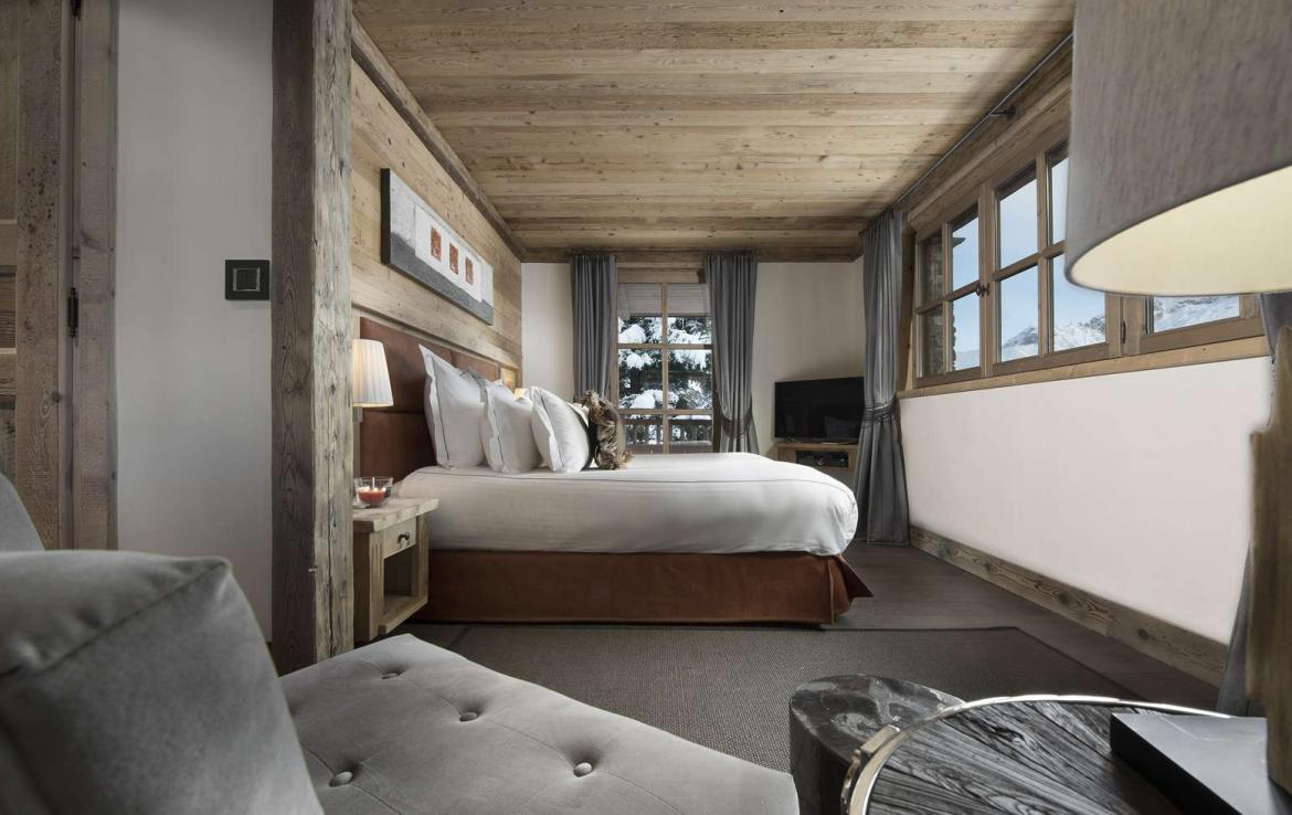 Kings-avenue-courchevel-hammam-swimming-pool-childfriendly-parking-cinema-boot-heaters-fireplace-ski-in-ski-out-lift-kids-playroom-gym-area-courchevel-015-14