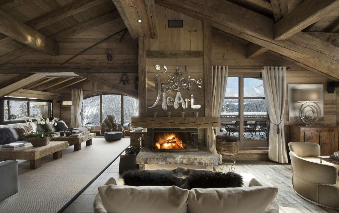 Kings-avenue-courchevel-hammam-swimming-pool-childfriendly-parking-cinema-boot-heaters-fireplace-ski-in-ski-out-lift-kids-playroom-gym-balconies-area-courchevel-015-3