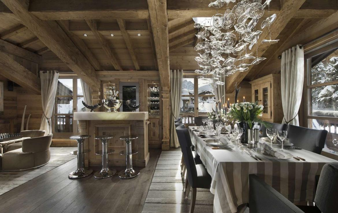 Kings-avenue-courchevel-hammam-swimming-pool-childfriendly-parking-cinema-boot-heaters-fireplace-ski-in-ski-out-lift-kids-playroom-gym-balconies-area-courchevel-015-4