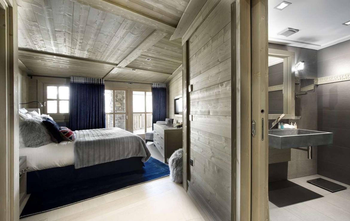 Kings-avenue-courchevel-hammam-swimming-pool-childfriendly-parking-cinema-boot-heaters-fireplace-ski-in-ski-out-lift-terrace-bar-library-area-courchevel-091-11
