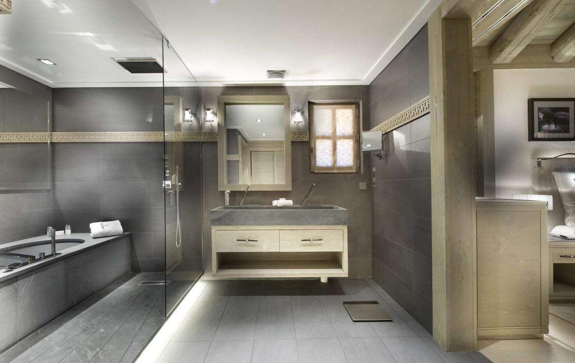 Kings-avenue-courchevel-hammam-swimming-pool-childfriendly-parking-cinema-boot-heaters-fireplace-ski-in-ski-out-lift-terrace-bar-library-area-courchevel-091-8