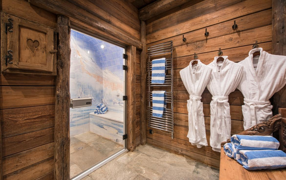 Kings-avenue-courchevel-jacuzzi-hammam-boot-heaters-fireplace-welness-area-close-proximity-to-slopes-area-courchevel-029-22