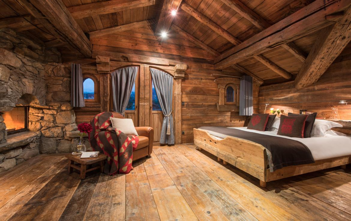 Kings-avenue-courchevel-jacuzzi-hammam-boot-heaters-fireplace-welness-area-close-proximity-to-slopes-area-courchevel-029-8