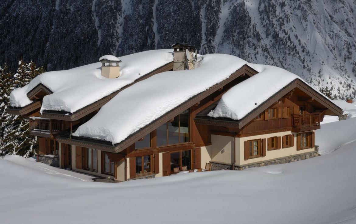 Kings-avenue-courchevel-jacuzzi-hammam-childfriendly-parking-boot-heaters-fireplace-ski-in-ski-out-gardens-area-courchevel-003-14