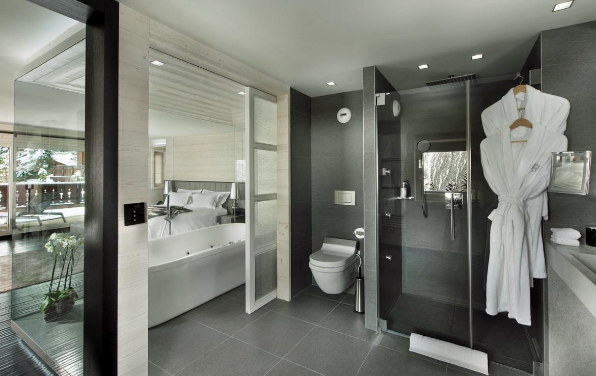 Kings-avenue-courchevel-jacuzzi-hammam-swimming-pool-childfriendly-cinema-games-room-gym-boot-heaters-fireplace-ski-in-ski-out-wine-cellar-courchevel-042-14