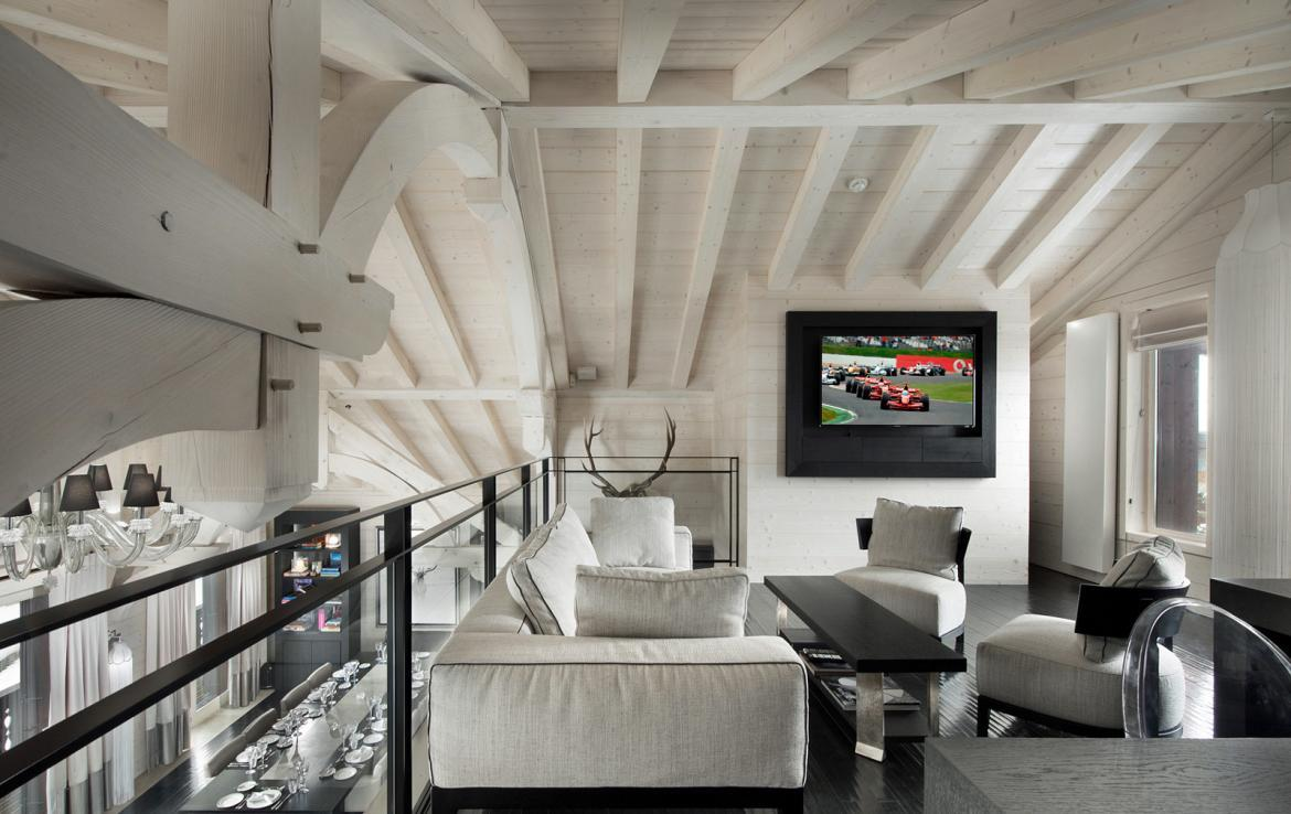 Kings-avenue-courchevel-jacuzzi-hammam-swimming-pool-childfriendly-cinema-games-room-gym-boot-heaters-fireplace-ski-in-ski-out-wine-cellar-courchevel-042-5