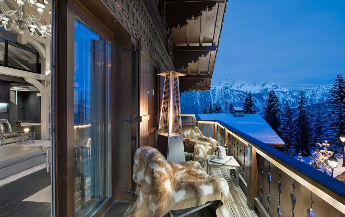 Kings-avenue-courchevel-jacuzzi-hammam-swimming-pool-childfriendly-cinema-games-room-gym-boot-heaters-fireplace-ski-in-ski-out-wine-cellar-courchevel-042-6