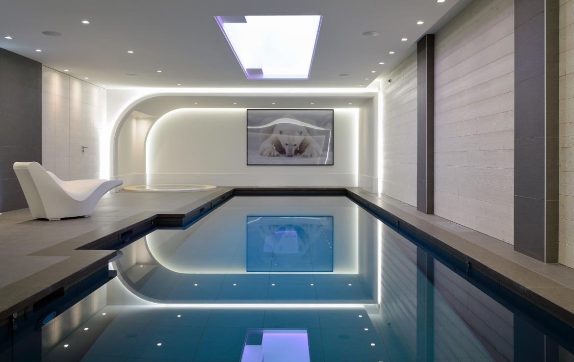Kings-avenue-courchevel-jacuzzi-hammam-swimming-pool-childfriendly-cinema-games-room-gym-boot-heaters-fireplace-ski-in-ski-out-wine-cellar-courchevel-042-9