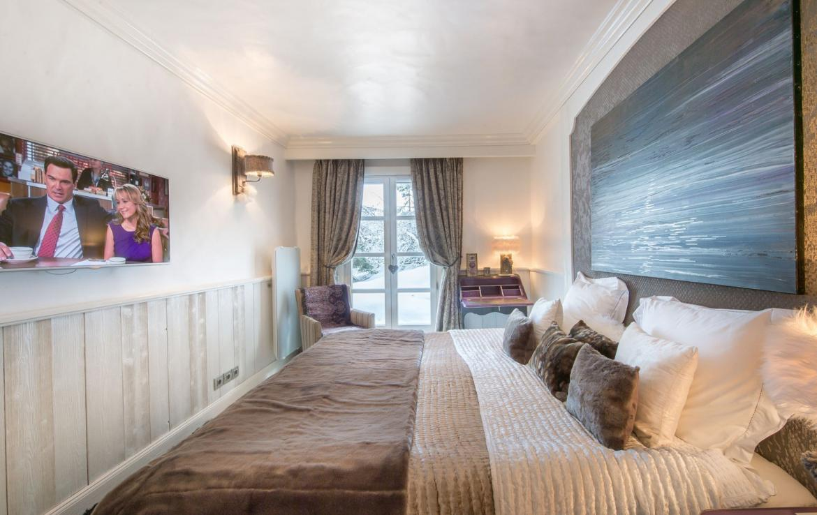 Kings-avenue-courchevel-jacuzzi-hammam-swimming-pool-childfriendly-parking-boot-heaters-fireplace-bar-lounge-massage-room-fitness-room-area-courchevel-027-16