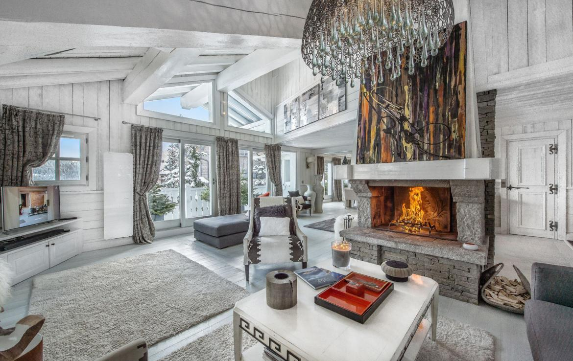 Kings-avenue-courchevel-jacuzzi-hammam-swimming-pool-childfriendly-parking-boot-heaters-fireplace-bar-lounge-massage-room-fitness-room-area-courchevel-027-2