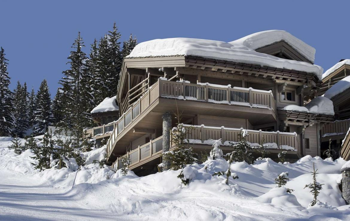 Kings-avenue-courchevel-jacuzzi-hammam-swimming-pool-childfriendly-parking-boot-heaters-fireplace-ski-in-ski-out-wine-cellar-area-courchevel-023-2